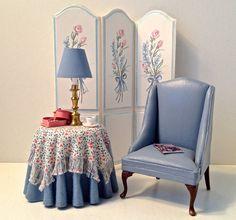 nice artisan made table and chair set