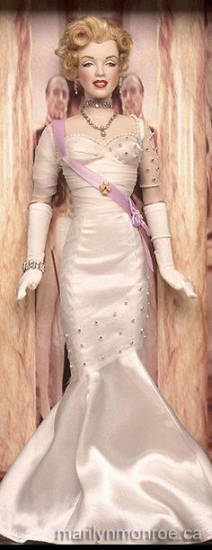 Marilyn Monroe Custom Dolls by Kim Goodwin I want this so much.