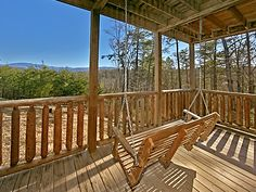 Pigeon Forge Cabin - A Bear's View - 3 Bedroom - Sleeps 12 - Jacuzzi - Home Theater