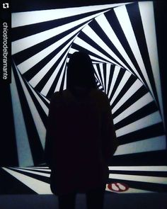 #throwback #memories #exhibition @arua_l_aura   Never where it's supposed to be #darksilhouette #geometryclub #anotherworld #escherworld #escherroma #chiostrodelbramante #Roma
