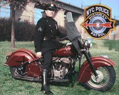 NYPD riding an Indian Motorcycle. Photo from New York Police Department Photo Unit. Indian Motorbike, Vintage Indian Motorcycles, American Motorcycles, Vintage Bikes, Vintage Motorcycles, Vintage Ads, Concept Motorcycles, Triumph Motorcycles, Custom Motorcycles