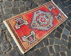 Turkish rug Vintage rug Handmade rug Oushak rug by DRNRUGS Boho Decor, Bohemian Rug, Soft Rugs, Decorative Rugs, Entryway Rug, Geometric Rug, Hand Knotted Rugs, Small Rugs, Oriental Rug