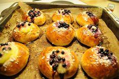 auras-vanilla-blueberry-finnish-pulla.jpg