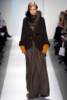 Dennis Basso Fall 2011 Ready-to-Wear Collection Photos - Vogue