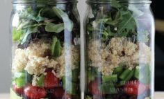 Layered Salad in a Jar with Avolantro Lime Vinaigrette Mason Jar Meals, Meals In A Jar, Mason Jars, Diy Jars, Salad In A Jar, Soup And Salad, Salads To Go, Lime Vinaigrette, Jars