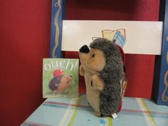 Retelling prop for Ouch! Anything can be used to retell a story - this hedgehog is a squeaky dog toy! He has three strips of velcro stuck to his back to collect the story flannel pieces on. Prek Literacy, Enrichment Activities, Early Literacy, Mini Beasts, Flannel Friday, Flannel Boards, Apple Theme, Library Lessons, Hedgehogs