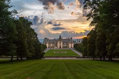 Here is a list of Biltmore packages with the convenience of accommodations and Biltmore tickets all for one price, whether you're looking for a last-minute vacation idea or you already plan to visit Asheville and Biltmore.