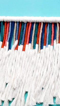 Macrame Wall Hanging Diy, Macrame Art, Macrame Projects, Weaving Wall Hanging, Hanging Tapestry, Macrame Knots, Tapestry Headboard, Wool Wall Hanging, Crochet Wall Hangings