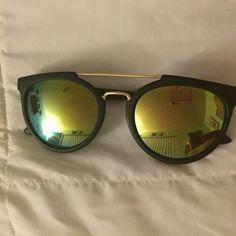 Sunglasses Forever 21 sunglasses Forever 21 Accessories Sunglasses