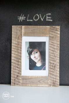 Drewniana ramka na zdjęcia Wooden picture frame made out of reclaimed wood