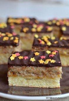 reteta prajitura pufoasa cu crema si glazura Sweets Recipes, Cake Recipes, Romanian Desserts, Food Cakes, Sweet Cakes, Gem, Cheesecake, Food And Drink, Cookies