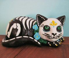 Sugar skull kitty
