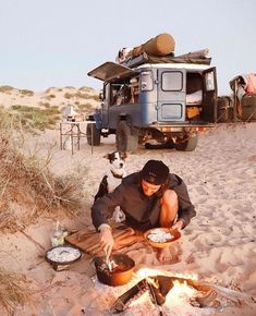 16 Camping Hacks You'll Wish You Knew Earlier Hack your camping trips with these clever ideas, tips, Auto Camping, Camping Life, Camping Aesthetic, Travel Aesthetic, Adventure Awaits, Adventure Travel, Kombi Home, Bus Life, Photos Voyages