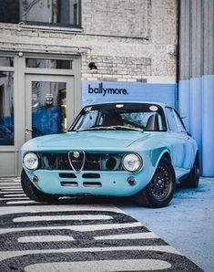 10 Alfa Romeo Giulia Super Ca Ideas Alfa Romeo Gtv 2000, Alfa Romeo Giulia, Alfa Romeo Cars, Alfa Bertone, Best Muscle Cars, Vintage Cars, Cool Cars, Super Cars, Classic Cars