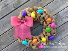 Welcome to a new collection of handmade decorations featuring 15 Creative Handmade Easter Decor Ideas That You Need To See. Diy Easter Decorations, Handmade Decorations, Hoppy Easter, Easter Eggs, Diy Spring Wreath, Easter Crafts, Easter Projects, Easter Ideas, Christmas Crafts