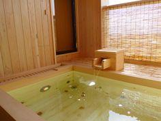 木風呂露天風呂 ー 檜の浴槽