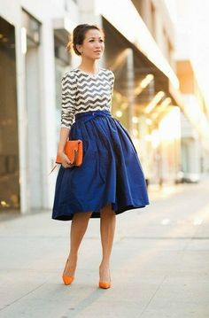Chevron Print Top With Navy Blue Plated Mini Skirt And Orange Heels Cool Street Outfit