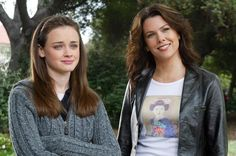 15 Jokes Only Extreme 'Gilmore Girls' Fans Understand