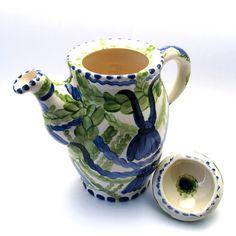 Alle Kannen, Krüge, Vasen der Familie VertBleu! Die Grün-Blaue Designfamilie von Unikat-Keramik. Das wohl einzigartigste Keramik Geschirr der Welt! Shops, Tea Pots, Mugs, Tableware, Design, Blue Green, Vases, Archive, Unique