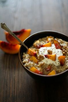 STEEL+CUT+OATMEAL+WITH+YOGURT,+PEACHES,+AND+CHIA+SEEDS    INGREDIENTS    1+cup+steel+cut+oats  3+cups+water  1/4+teaspoon+vanilla+extract  1+ripe+peach,+chopped  ¼+cup+walnuts,+roasted+and+chopped  1+tablespoon+100%+pure+maple+syrup  For+Serving:  Plain+Yogurt  100%+pure+maple+syrup  Chia+seeds  INSTRUCTIONS    In+a+medium-sized+saucepan,+bring+1+