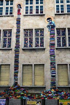 Street Art By Brazilian Artist Tinho, Frankfurt, Germany.