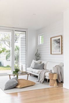 She's on the market! Our most recently completed project, Links Ave in Cronulla by is officially for sale. Coastal Living Rooms, Home Living Room, Living Room Decor, Living Room Inspiration, Home Decor Inspiration, Weatherboard House, Lounge Areas, New Homes, House Design