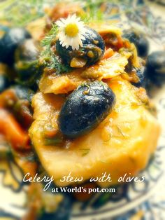 Celery stew with olives (Mincare valaha de telina cu masline)