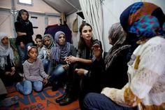 April 25, 2016, Queen Rania visits Kara Tepe refugee camp in Lesvos island, Greece Λέσβος: Στο πλευρό των προσφύγων η Βασίλισσα Ράνια (ΦΩΤΟ)   Τοπικά Νέα - Ειδήσεις NewsIt.gr
