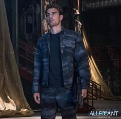 Imagen de divergent, theo james, and allegiant … Tobias, Divergent Theo James, Divergent Fandom, Divergent Trilogy, Divergent Insurgent Allegiant, Hunger Games, Theodore James, Tris And Four, Veronica Roth