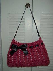 The Crochet Hobo Bag is one of our favorite free crochet purse patterns. Very stylish and easy to wear, this will compliment any outfit.