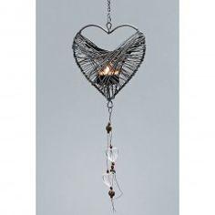 Filigraner Teelichthänger aus Draht für ein Teelicht, mit Glasherzen und Perlen geschmückt.