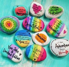 Painted rocks have become one of the most addictive crafts for kids and adults! Want to start painting rocks? Lets Check out these 10 best painted rock ideas below. Rock Painting Patterns, Rock Painting Ideas Easy, Rock Painting Designs, Pebble Painting, Pebble Art, Stone Painting, Shell Painting, Painted Rocks Craft, Hand Painted Rocks