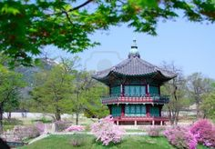 An old Korean pavilion at Kyoungbok Palace in Seoul, Korea