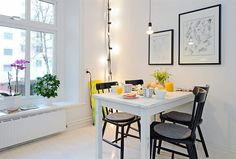 Granits ljusslinga - som hörnlampa. Norwegian House, Love Home, Dining Area, Dining Room, Apartment Living, Interior Inspiration, Home Kitchens, Living Spaces, Sweet Home