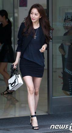 Han Ye Seul Korean Beauty, Asian Beauty, Asian Woman, Asian Girl, Kang Sora, Han Ye Seul, Pretty Korean Girls, Korean Celebrities, Beautiful Legs