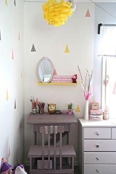diy pulpetti - Google-haku Diy Desk, Google, Home Decor, Decoration Home, Room Decor, Home Interior Design, Home Decoration, Interior Design