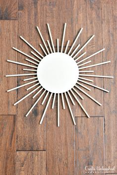 Normally I'm not huge on the whole sunburst mirror fad, but this one is pretty simple (and cheap!) and would look great with the earth tones in my living room :) Mirror Crafts, Diy Mirror, Wall Mirrors, Diy Crafts For Home Decor, Diy Wall Decor, Mirror Decor Living Room, Spiegel Design, Mirror House, Boho Wall Hanging