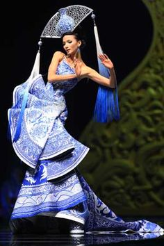 """Rosestudio"" GUO Pei High Class Fashion Show 2010 - Lifestyle News - SINA English"