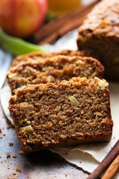 A delicious Fall-inspired Applesauce Spice Bread made with tons of healthier swaps. Greek yogurt, lower sugar, and oats to name a few. Easy Bread Recipes, Apple Recipes, Pumpkin Recipes, Holiday Recipes, Applesauce Bread, Homemade Applesauce, Applesauce Recipes, Sin Gluten, Sugar Substitutes For Baking