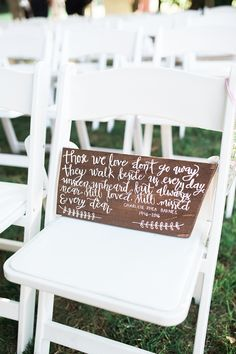 sign for family who has passed | Lindsay Campbell Photography | Glamour & Grace