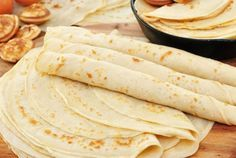 Crepes by Greek chef Akis Petretzikis. Easy recipe for homemade sweet or savory crepes with the basic dough for Sunday's brunch-breakfast! Sweet Pastries, Bread And Pastries, Food Network Recipes, Cooking Recipes, The Kitchen Food Network, Crepes And Waffles, Greek Sweets, Ramadan Recipes, Mini Foods