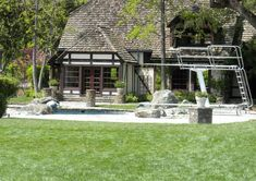 Trampolines, Michael Jackson, Neverland Ranch, Mansions, House Styles, Home Decor, Stuff Stuff, Pools, Decoration Home