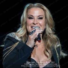 NEWS:  First picture of the night! Anastacia performing live at GEOX in Padova, Italy today! Next stop? Zurich, Switzerland!