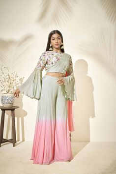 Fashion Show Dresses, Indian Fashion Dresses, Indian Gowns, Indian Designer Outfits, Stylish Dresses, Designer Dresses, Saree With Pants, Bell Sleeve Crop Top, Bell Sleeves