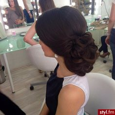 30 Elegant Wedding Hairstyles For Gentle Brides « Fast Hairstyles # bridesmaid Hair 30 Elegant Wedding Hairstyles For Gentle Brides Quince Hairstyles, Fast Hairstyles, Elegant Hairstyles, Formal Hairstyles, Bride Hairstyles, Vintage Wedding Hair, Wedding Hair And Makeup, Hair Wedding, Hair Upstyles