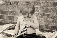 Smash Cake... Cake Smash Photography, Kid Parties, 1st Year, Family Pictures, First Birthdays, Photo Ideas, Baby Boy, Big, Party