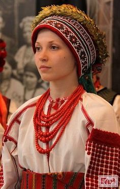 The beads. Are they same as poland?  -e.  pp:  Ukrainian traditional headdresses.