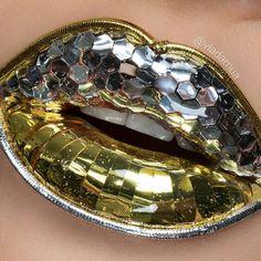 Gold silver lip art