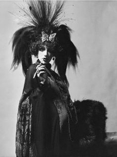 Marisa Berenson dressed as the Marchesa for the Rothschild Ball, 1972