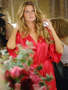 Gisele Bundchen's bombshell waves at the 2005 Victoria's Secret fashion show in New York City